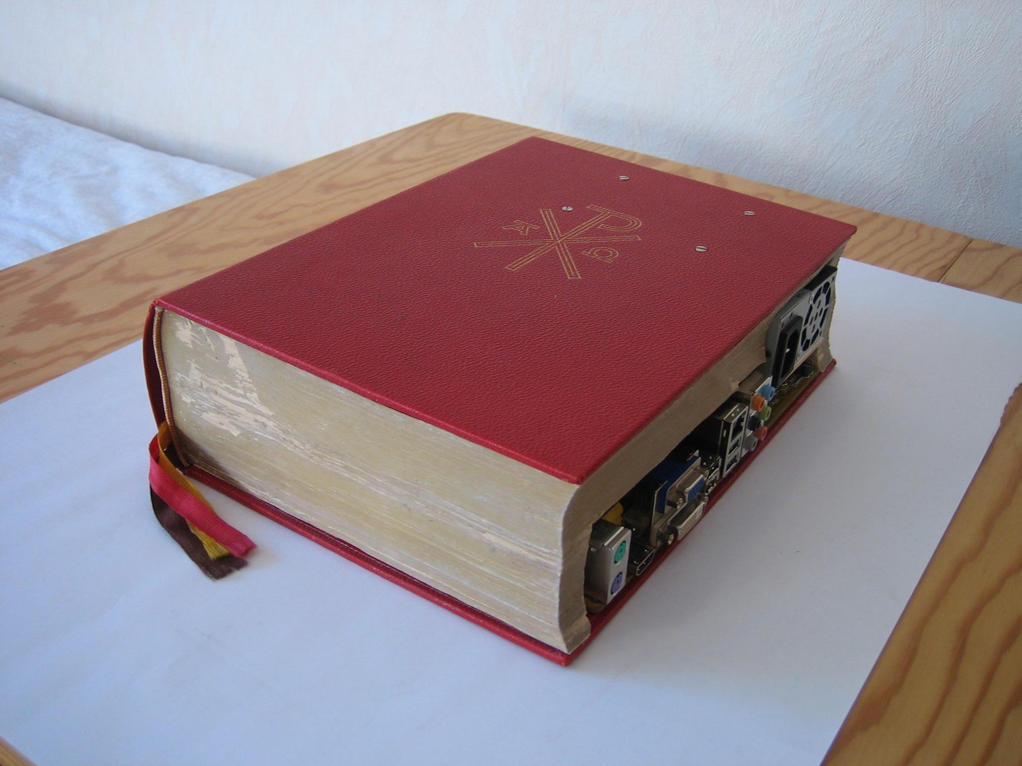 Bible Mod - PC in einem Buch